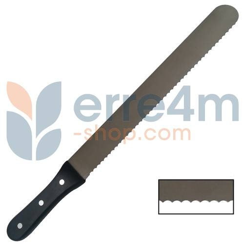 Serrated knife with straight handle