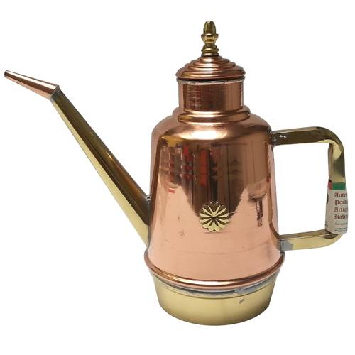 Oil cans in copper and brass