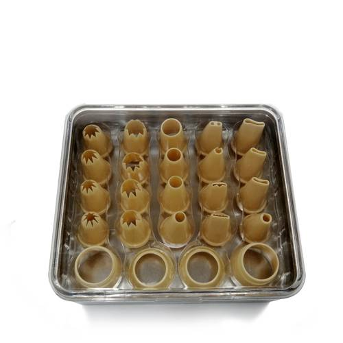 Package of stainless steel pastry tubes